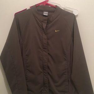 Nikefitory jacket